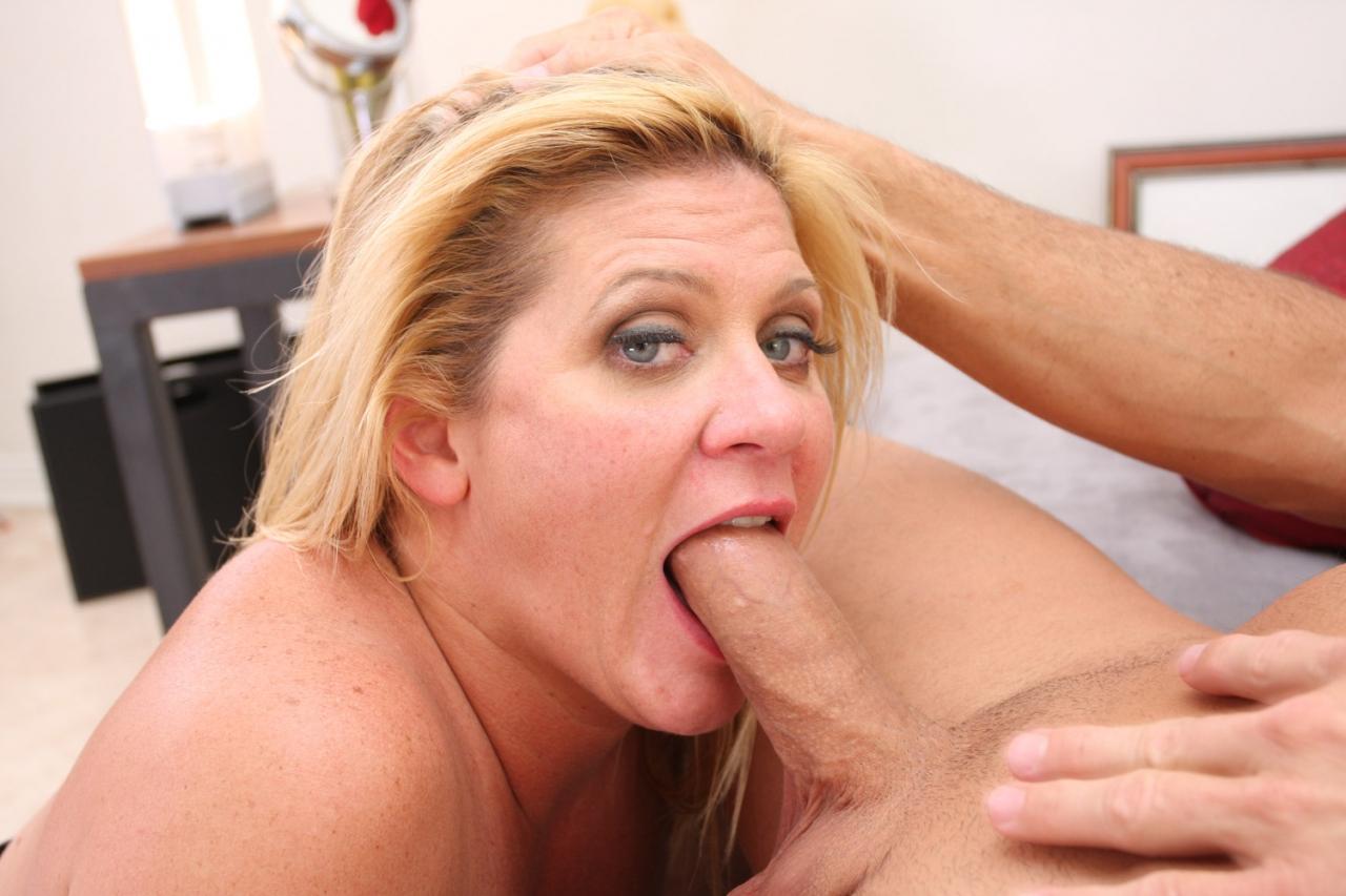 Mommy blows best ginger lynn Ginger Lynn Mommy Blows Best Saddle Girls