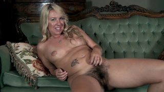 Elle MacQueen strips in her.. Wearehairy.com – dirtyporn.cc